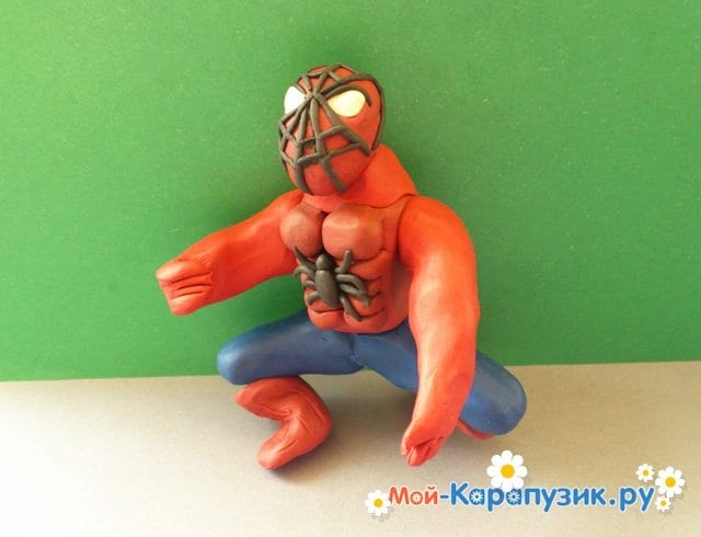 Лепка человека-паука из пластилина - фото 12