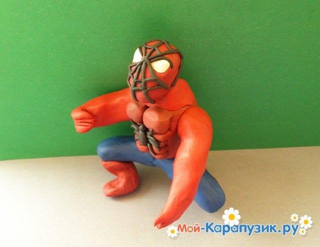 Лепка человека-паука из пластилина - фото 15