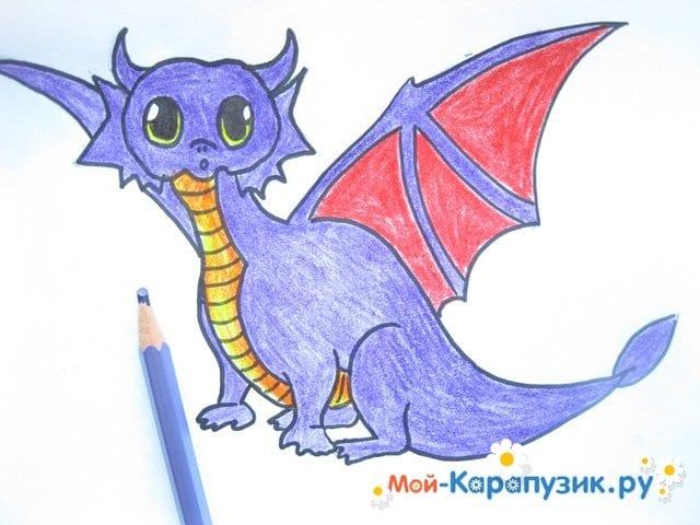 Поэтапное рисование дракона цветными карандашами - фото 12