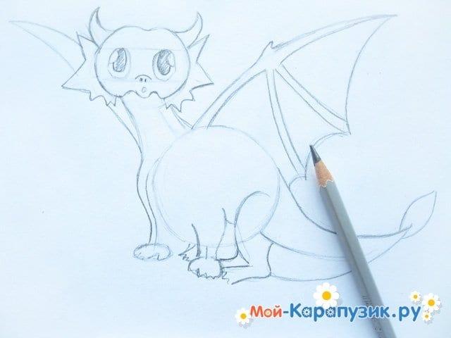 Поэтапное рисование дракона цветными карандашами - фото 8