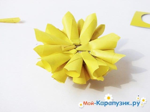 Изготовление георгин из бумаги - фото 17