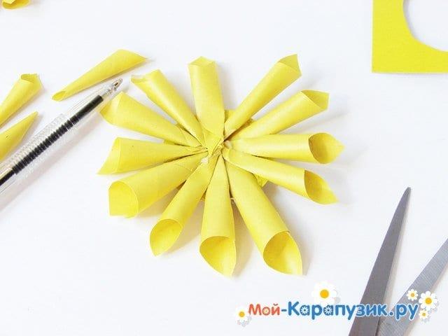 Изготовление георгин из бумаги - фото 9