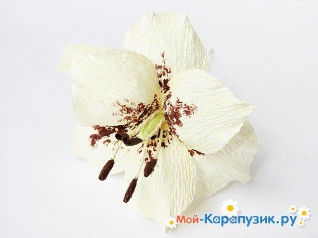 Изготовление лилии из бумаги своими руками - фото 15
