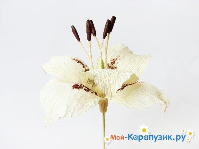 Изготовление лилии из бумаги своими руками - фото 16