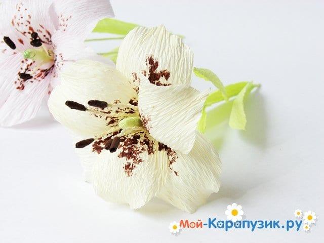 Изготовление лилии из бумаги своими руками - фото 19