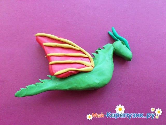 Лепка дракона из пластилина - фото 7