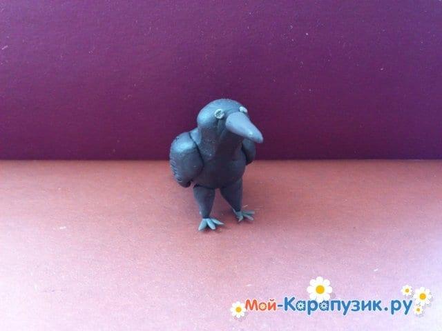 Лепка вороны из пластилина - фото 10