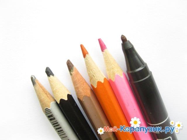 Поэтапное рисование солдата цветными карандашами - фото 1