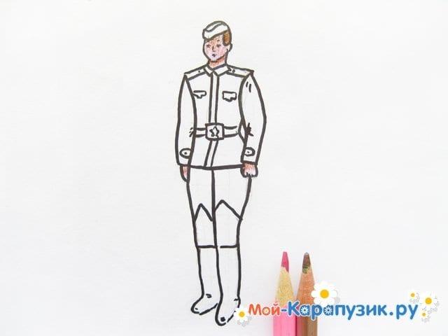 Поэтапное рисование солдата цветными карандашами - фото 11