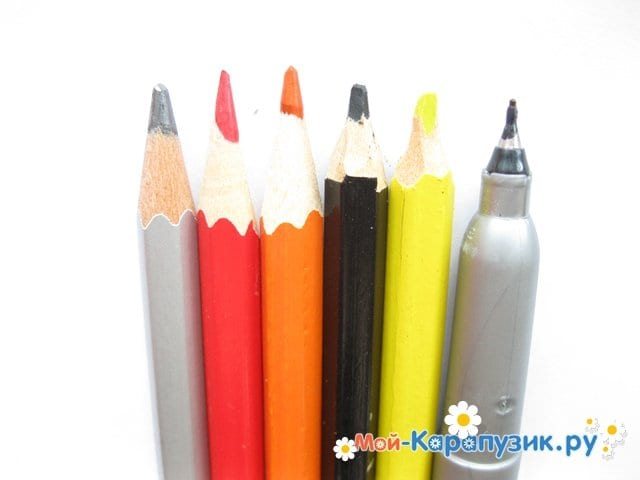 Поэтапное рисование Тора цветными карандашами - фото 1