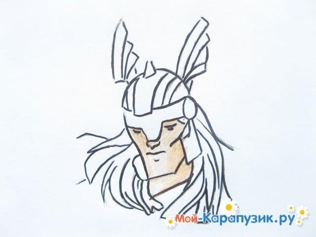 Поэтапное рисование Тора цветными карандашами - фото 8