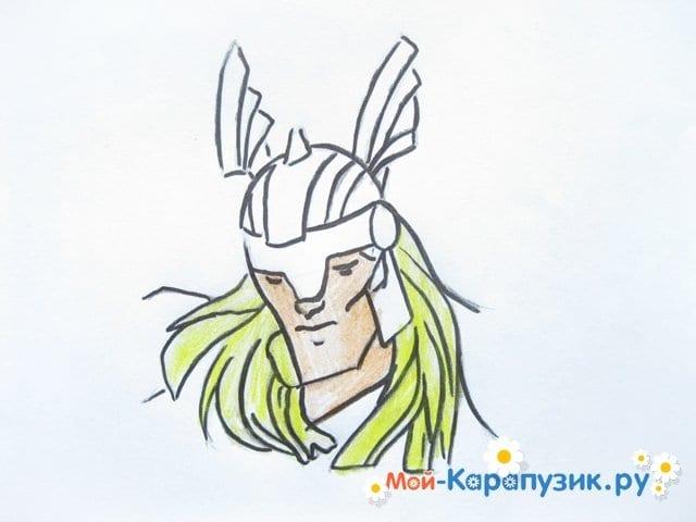 Поэтапное рисование Тора цветными карандашами - фото 9