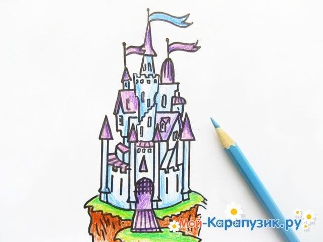 Поэтапное рисование замка цветными карандашами - фото 12