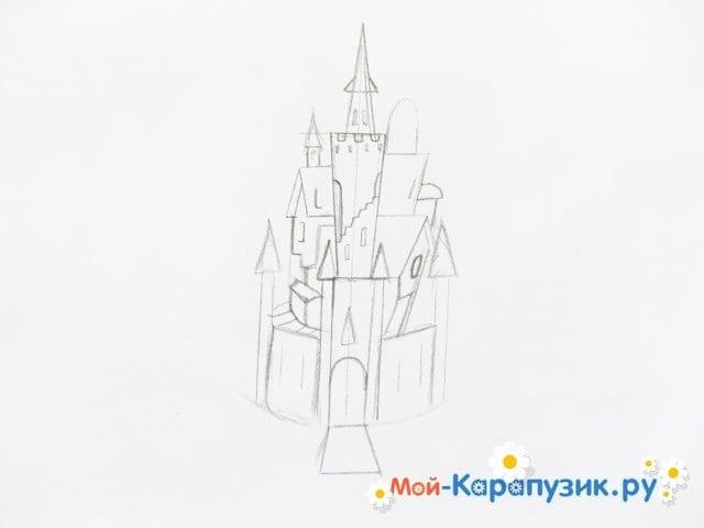 Поэтапное рисование замка цветными карандашами - фото 4