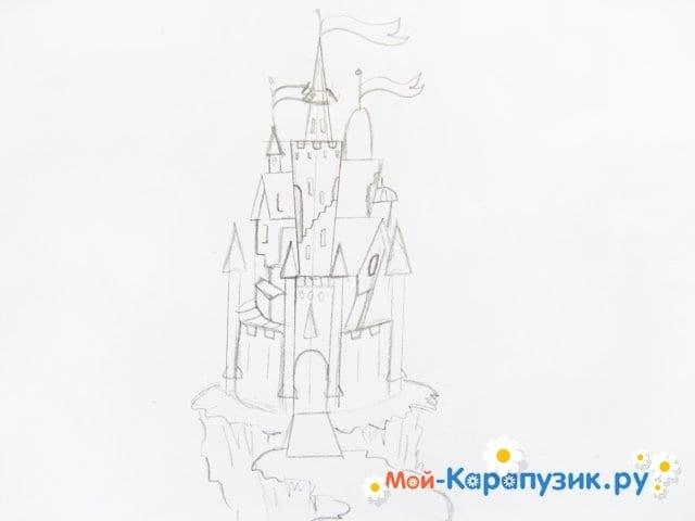 Поэтапное рисование замка цветными карандашами - фото 6