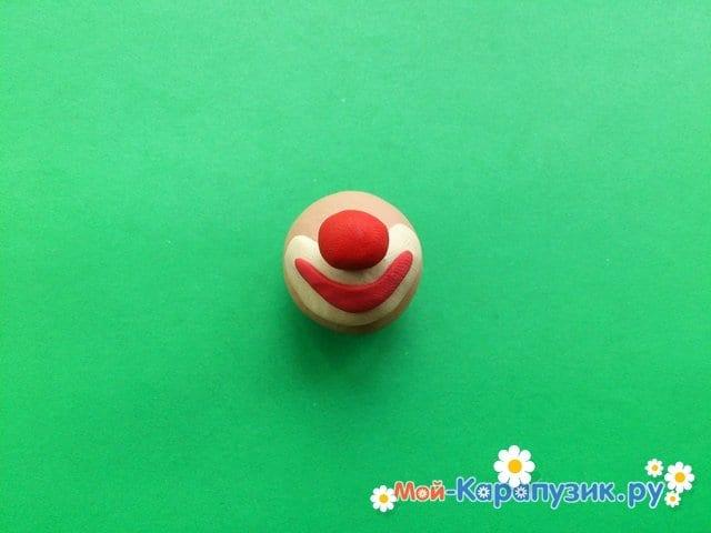Лепка клоуна из пластилина - фото 3