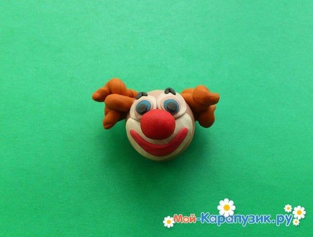 Лепка клоуна из пластилина - фото 5