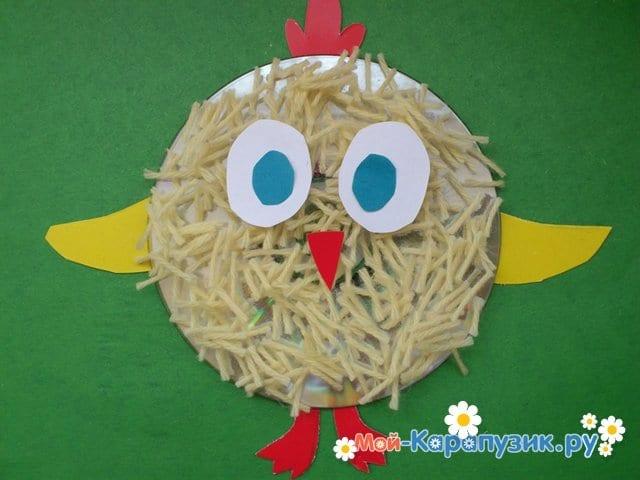 Изготовление цыпленка из бумаги и диска - фото 2