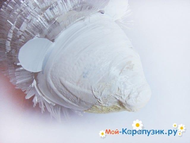 Изготовление ежика из пластиковых бутылок - фото 17