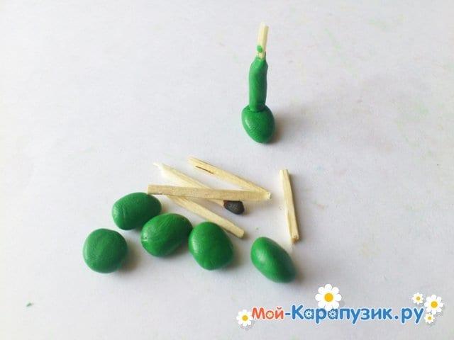 Лепка кузнечика из пластилина - фото 8