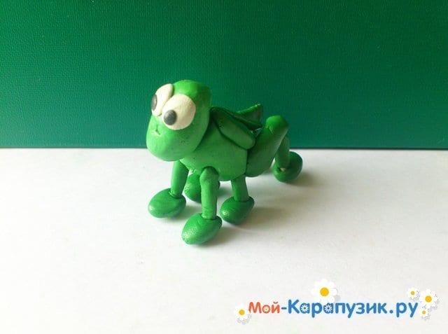 Лепка кузнечика из пластилина - фото 9