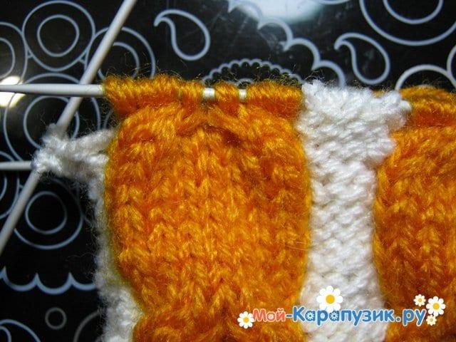 Вязание шапки с помпоном спицами - фото 10