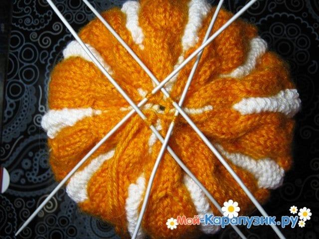 Вязание шапки с помпоном спицами - фото 19