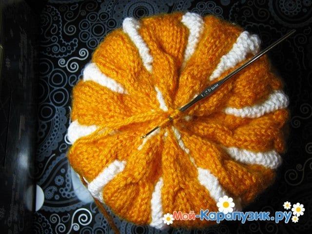 Вязание шапки с помпоном спицами - фото 21