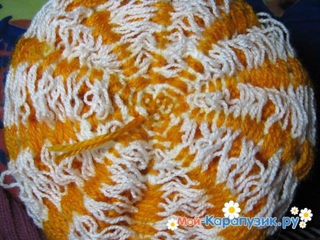 Вязание шапки с помпоном спицами - фото 24