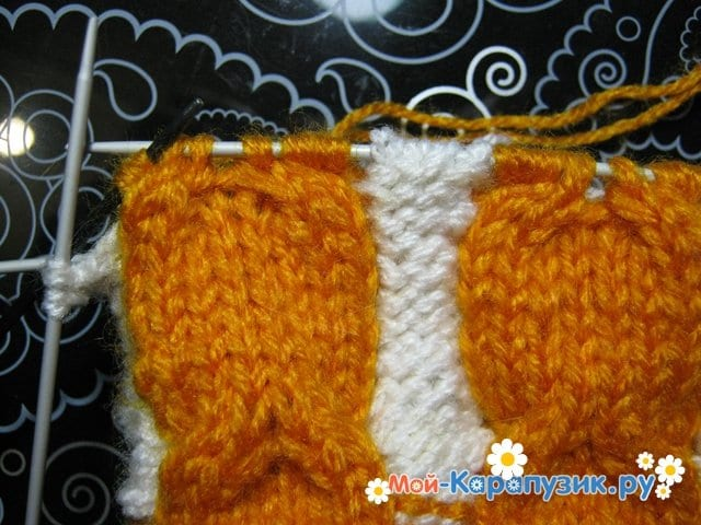 Вязание шапки с помпоном спицами - фото 9