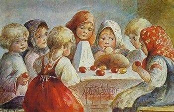 Дети за пасхальным столом
