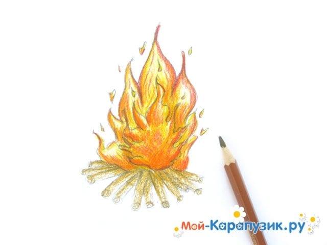 Поэтапное рисование огня цветными карандашами - фото 12